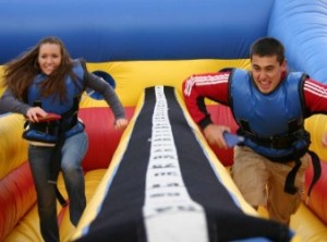 2-person-Bungee-Run-e1398632190605-300x222