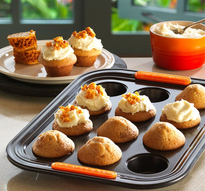 Le Creuset Muffin Tray